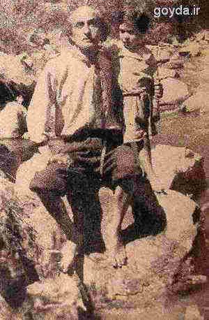 نیما یوشیج و پسرش شیرآکین