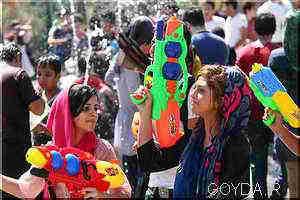 آب بازی دختران